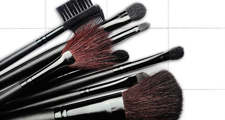 Makeup Brushes You Need to Have