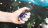 5 Quick & Festive Holiday Manicures